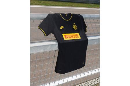 Интер презентовал резервную форму на сезон 2019-2020