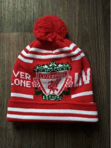 Футбольная шапка Ливерпуль красная