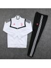 купить Спортивный костюм Ювентус белый с полосой 2019-2020
