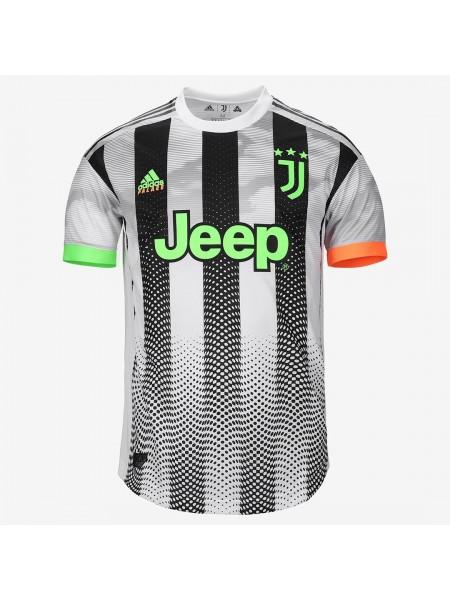 Детская футбольная форма Ювентус  лимитированная 2019-2020