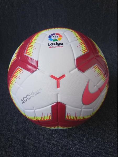 Футбольный мяч Ла Лиги красный 2018-2019
