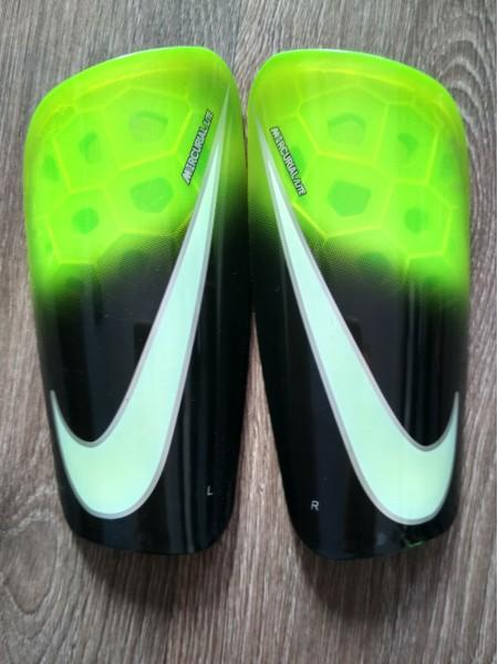 Щитки Nike Mercurial Lite зеленые