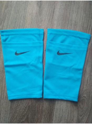 купить Фиксатор для футбольных щитков Nike голубой