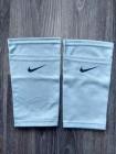 купить Фиксатор для футбольных щитков Nike серый