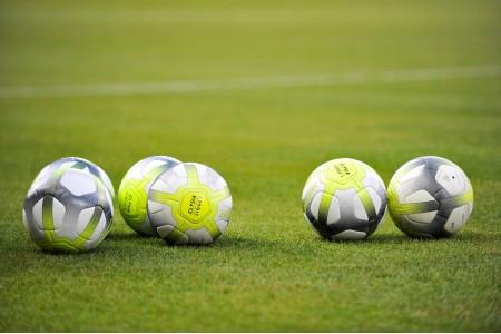 Зачем ребенку футбольный мяч?